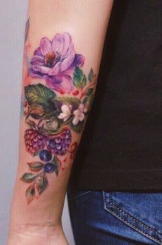 Hannah Yershova flower tattoo