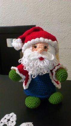 Amigurumi Santa Claus - FREE Crochet Pattern / Tutorial by delores