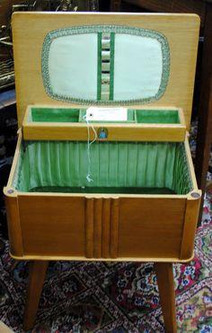 1960's Vintage Sewing Box