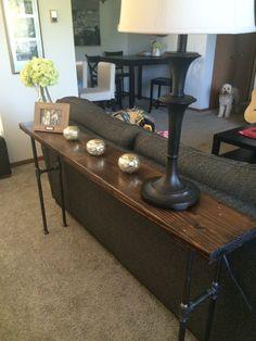 Industrial pipe sofa table por WoodAndIronByPatrick en Etsy