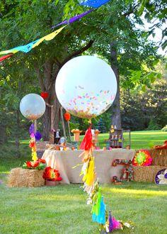 Fiesta Confetti Balloons!
