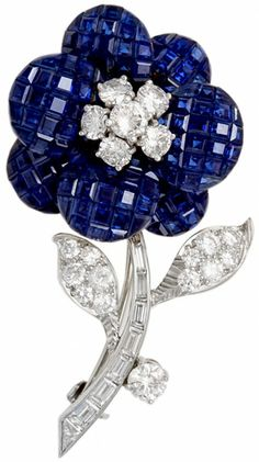 Van Cleef & Arpels Invisibly Set Sapphire and Diamond Flower Brooch #VCA #VanCleef #VanCleefArpels #Diamonds #Sapphire #Brooch