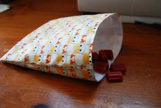 Puking Pastilles» Blog Archive » Amazing Reusable Sandwich Bags Tutorial