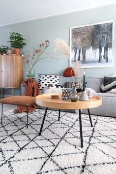 Exceptional farmhouse living room are offered on our website. Small Living Rooms, Home And Living, Living Room Designs, Living Room Decor, Living Spaces, Interior And Exterior, Interior Design, Interior Inspiration, House Design