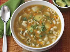 Sopa de Pasta - AntojandoAndo Mexican Food Recipes, Soup Recipes, Vegetarian Recipes, Cooking Recipes, Healthy Recipes, Ethnic Recipes, Baby First Foods, Pasta Soup, Colombian Food