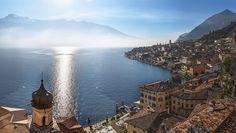 Italie Montagnes Lac Côte Limone sul Garda Lombardy  Lake Garda Lago di Garda Villes