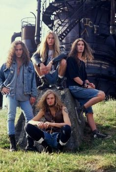 Alice in Chains' official first record company photo session in 1990. Layne Staley (sitting, center) at Gas Works Park in Seattle. (Photo by Annamaria DiSanto/WireImage) Photo: Annamaria DiSanto, Getty Images / 2002 wireimage