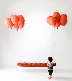 fauteuil suspendu design- canapé capitonné flottant dans les aires -Balloons-