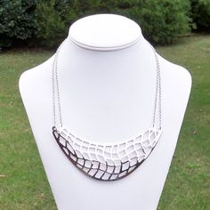Dahlilah  Chunky Silver Bib and Double Chain Link Metal by Tessyla, $65.00 Chunky Silver Necklace, Beaded Necklace, Fall Fashion Trends, Autumn Fashion, Geometric Necklace, Double Chain, Metal Necklaces, Metal Chain, Fashion Necklace