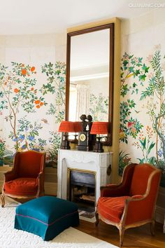 decordesignreview:  AntiqueZuberwallpaper hangs in the Chambre aux Oiseaux in French home with decor by Tino Zervudachi