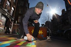 Hero de Janeiro spraying at the Spuistraat Amsterdam.