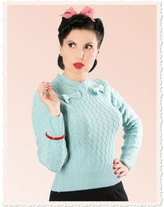 Lovely knitted sweater inspired by the 40s & 50s
