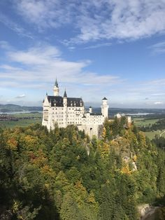 On a gorgeous day at the Neuschwanstein Castle Germany || Click on the photo to discover the most incredible destinations with us :)