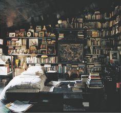 Lo más parecido a mi recámara... No hay nada más maravilloso que dormir entre libros...