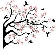 Silueta de rbol hermoso con ave voladora Foto de archivo