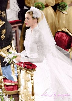 hollywood icons Princess Of Monaco Wedding April 1956 Hollywood Icon Grace Kelly Becomes A Real Life Princess Moda Grace Kelly, Grace Kelly Style, Royal Brides, Royal Weddings, Hollywood Icons, Hollywood Glamour, Classic Hollywood, Princess Wedding Dresses, Wedding Gowns
