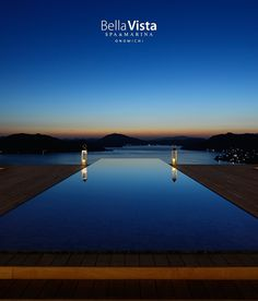What an amazing, gorgeous view. Japanese Landscape, Spring Resort, Tokyo Travel, Resort Villa, Plunge Pool, Water Lighting, Hot Springs, Hotels And Resorts, Beautiful Landscapes