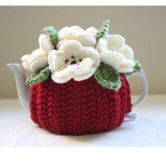 BN Hand Knitted Pure Merino Wool Garden Tea Cosy - RED - Small (1-2 Cup Teapot)
