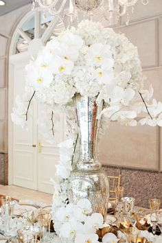 Adorable 55+ Beautiful White Flower Arrangements In Your Wedding  https://oosile.com/55-beautiful-white-flower-arrangements-in-your-wedding-9342