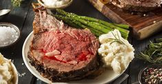 When you cook prime rib, you may end up with leftovers. Freezing the prime rib preserves the flavor and allows you to enjoy the beef at a later date. Since the prime rib. Smoked Prime Rib, Prime Rib Roast, Roast Beef, Sirloin Roast, Prime Beef, Smoked Ribs, Beef Tenderloin, Beef Steak, Pot Roast