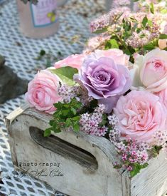 Beautiful mix of flowers and color in a pretty wooden box~❥