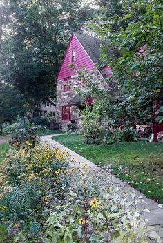 Transforming an awkward corner lot into a vibrant rain garden.  Anne Raver. nytimes.