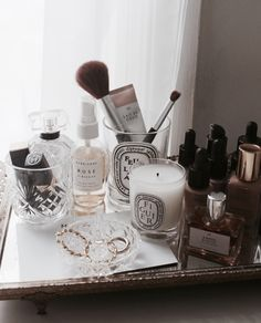 beauty vanity aesthetic flatlay Image about beauty in MAKEUP by Leena on We Heart It Makeup Vanity Decor, Mo S, Shelfie, Aesthetic Rooms, Aesthetic Makeup, My New Room, Makeup Organization, Makeup Collection, Room Inspiration
