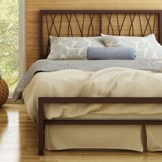 Amisco Ivy Platform Bed & Reviews | Wayfair