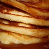 Try out these quick and easy flapjacks - perfect for a sumptuous breakfast or an afternoon snack.