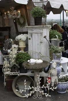 Home Decor Stores King Of Prussia all Home Decor Ideas Cottage Style, Shabby Vintage Bird Cage Vintage Display, Antique Booth Displays, Antique Booth Ideas, Decoration Shabby, Shabby Chic Decor, Market Displays, Store Displays, Vintage Market, Vintage Shops