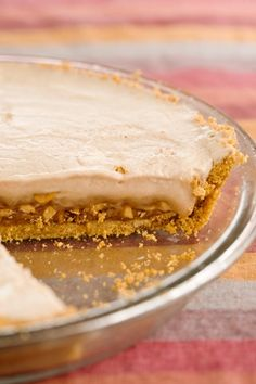 Well what more can you say! Flicker Pie (essentially a frozen Snickers, cream, peanut butter, graham cracker crust pie) - Paula Deen Snickers Peanut Butter, Snickers Pie, Pie Recipes, Sweet Recipes, Dessert Recipes, Just Desserts, Delicious Desserts, Summer Pie, Pie Dessert