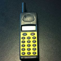 Oldschool mobile by Ericsson
