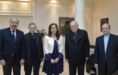 Reunión junto al titular de la Conferencia Episcopal Argentina, Monseñor José María Arancedo, acompañado por miembros de la cúpula episcopal para celebrar una audiencia en la residencia de Olivos.