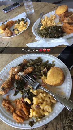 IG/pinterest: @kemsxdeniyi Kim kardashian snapchat soul food mac n cheese afroart cornbread fried chicken collard greens Sundays