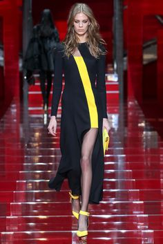 Versace - Fall 2015 Ready-to-Wear - yes to the dress... Minus the bright yellow shoes