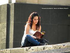 Lectura - el mejor homenaje para un escritor.  En memoria de Carlos Fuentes (1928 - 2012)  Reading - the best tribute to a writer.  In memory of Carlos Fuentes (1928 - 2012)