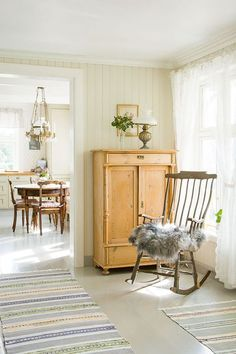 Swedish Interiors, Cottage Interiors, Rustic Interiors, Cottage Homes, Style At Home, Cosy House, Happy House, Interior Decorating, Interior Design