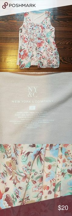 NY&CO Pleated Shell Printed shell from ny&co. Woen maybe twice New York & Company Tops