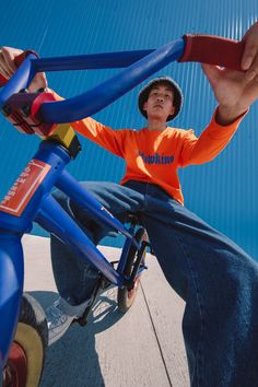 Highsnobiety x 'Stranger Things Collaboration Photography Poses For Men, Creative Photography, Editorial Photography, Street Photography, Portrait Photography, Digital Art Anime, Dynamic Poses, Portrait Poses, Art Reference Poses