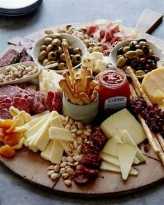 Create a Gorgeous Cheese Board Platter #ItalianAppetizers