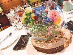 ガラスボールを使ったゲストテーブル装花まとめ | marry[マリー] Flower Decorations, Wedding Decorations, Table Decorations, Casual Wedding, Our Wedding, Wedding Ideas, Table Flowers, Bridal Flowers, Wedding Colors