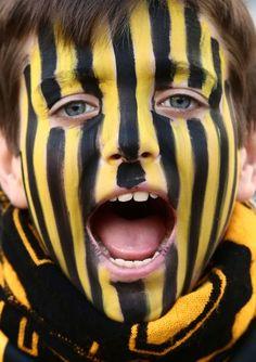 Carnival, Halloween Face Makeup, The Originals, Painting, Carnavals, Painting Art, Paintings, Painted Canvas, Drawings
