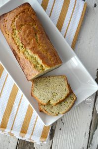 favorite-banana-bread-recipe | theidearoom.net