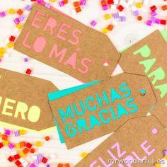 Etiquetas troqueladas para regalos molones - Colores neón. Se vende en: wwwmmrwonderfulshop.es   #fiesta #etiqueta #regalo #troquel #neón