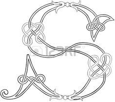 Sagoma stilizzata A Knot-lavoro Lettera Capital celtica S Archivio Fotografico