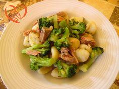 Gnocchi con broccoli e tonno http://www.cuocaperpassione.it/ricetta/e9311f4c-9f72-6375-b10c-ff0000780917/Gnocchi_con_broccoli_e_tonno