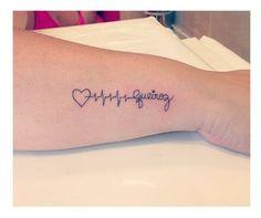 Sei que este não é um assunto que tem 100% de aprovação, mas encaixa com a minha realidade: Eu sou uma mãe tatuada. Não do jeito que eu queria (porque se eu pudesse fecharia as costas e meio braço do tanto que eu gosto disso)… Tenho quatro tatuagens no total: 3 palavras (Pasión, Freedom e …
