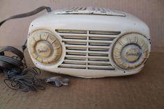 Vintage Antique 1940's Sonora Radio Model WJU 252 Am Tube Radio Bakelite Working   eBay