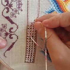 Brazilian Embroidery Stitches, Advanced Embroidery, Hardanger Embroidery, Hand Embroidery, Embroidery Designs, Needlepoint Stitches, Needlework, Monks Cloth, Kutch Work