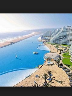 Wow the worlds biggest pool